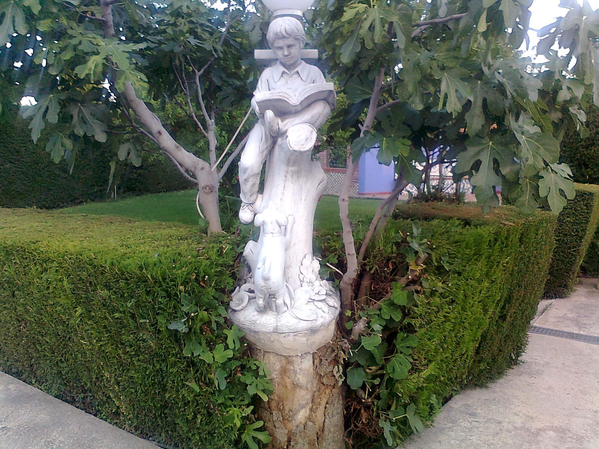 Limpieza de jardines en zaragoza cangurin - Elementos decorativos para jardin ...