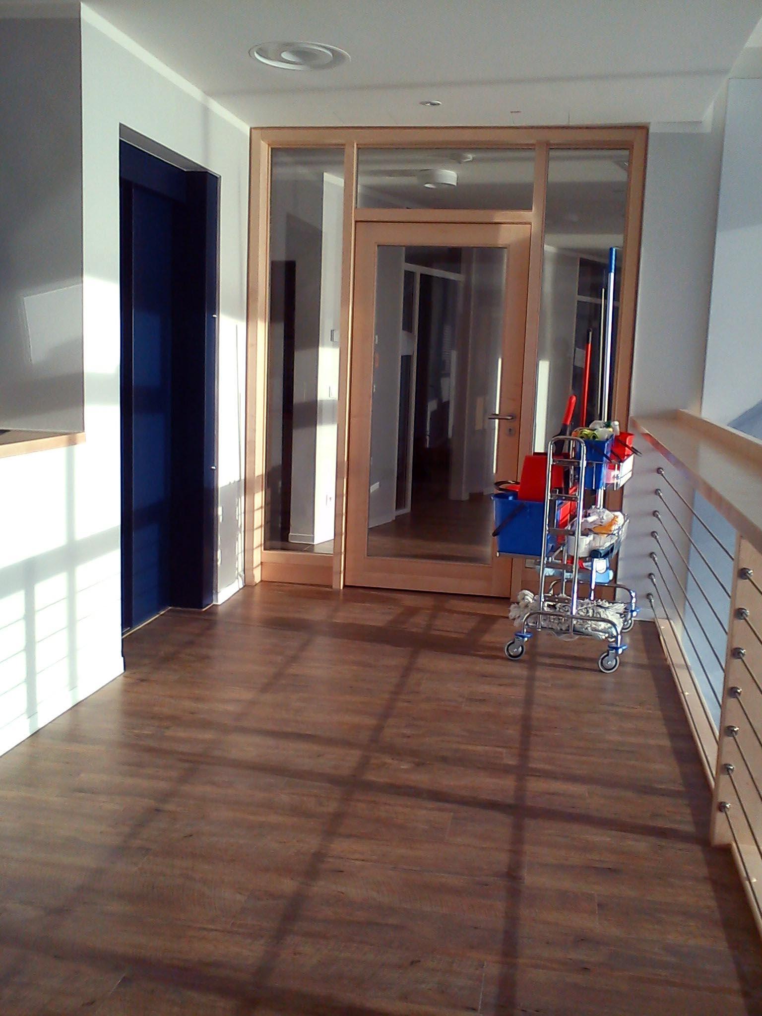 Limpieza de oficinas en zaragoza cangurin for Oficina ing zaragoza